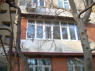 продаётся-2/2/4-77серии.Балкон -2х6